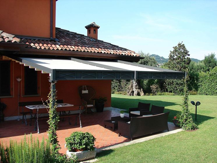 Tettoie in ferro pergole e tettoie da giardino - Struttura in ferro per casa ...
