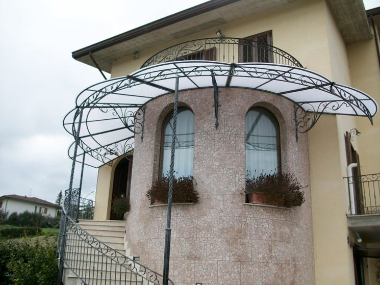 Souvent Tettoie in ferro - pergole e tettoie da giardino - Tipologie di  QJ75