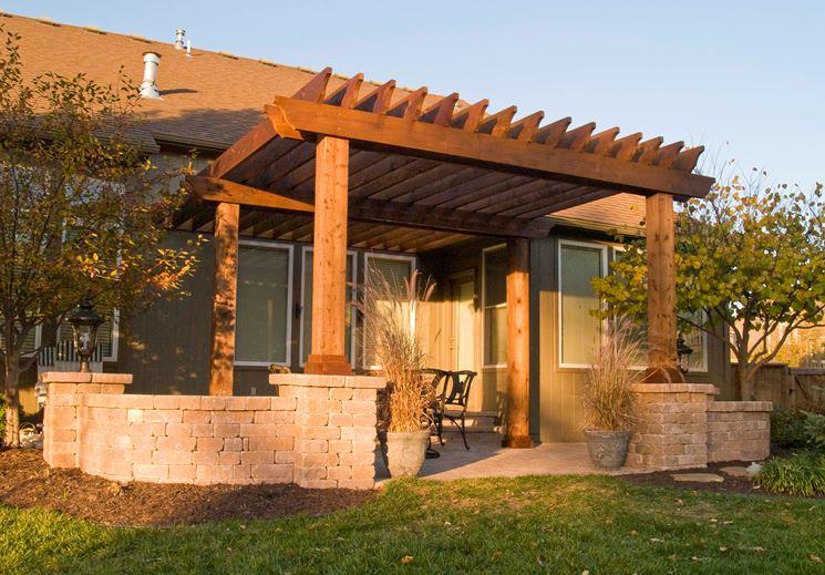 Tettoie in legno pergole e tettoie da giardino - Tettoie in legno per esterno ...