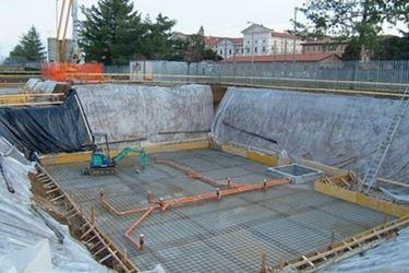 lavori in corso per costruzione piscina