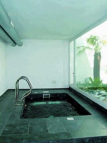 piscina coperta in marmo