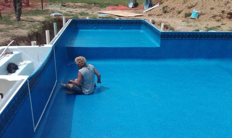 Piscine interrate piscine come installare una piscina interrata - Piscina vetroresina interrata ...