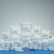 prodotti per la manutenzione della piscina