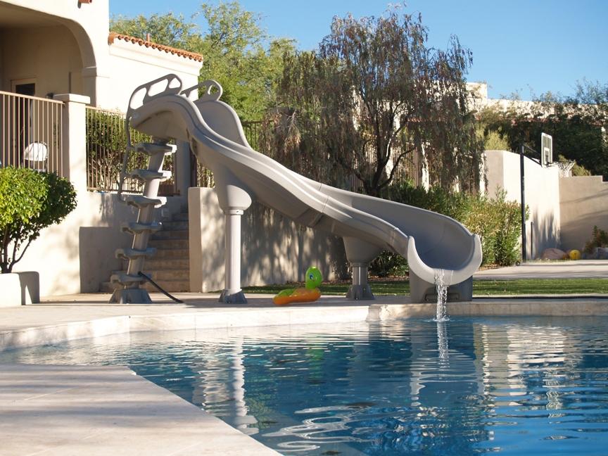 Scivoli da piscina piscine for Scivolo per bambini usato