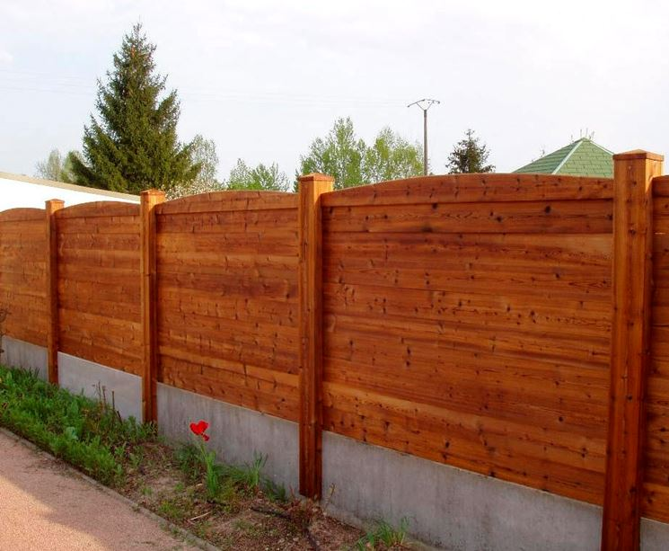 Recinzioni giardino recinzioni come recintare il giardino for Recinzioni giardino legno