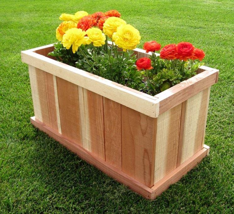 Esempio di fioriera in legno fai da te
