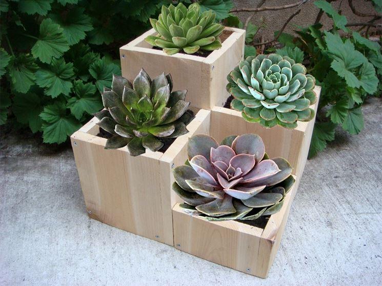 Originale fioriera in legno