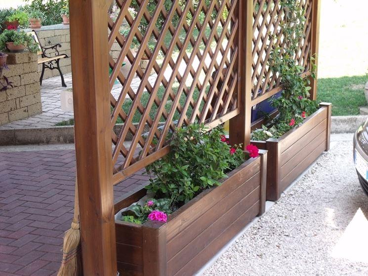 Fioriere con grigliato vasi e fioriere fioriere con for Divisori giardino leroy merlin