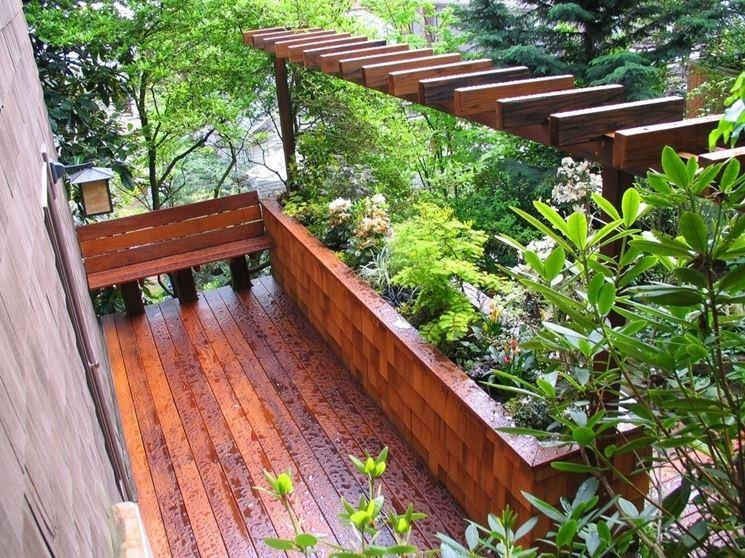 fioriera da balcone in legno
