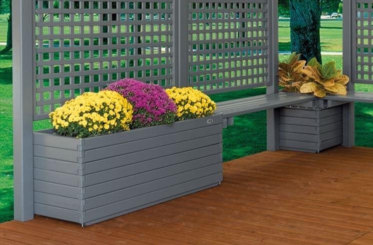 Fioriere da esterno vasi e fioriere fioriere per for Terrazzi arredamento da esterni