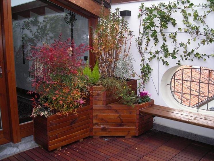 fioriera in legno per terrazzo chiuso