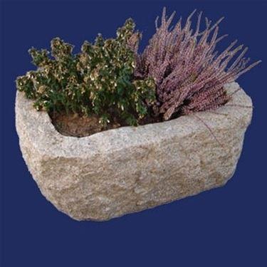 fioriera in pietra