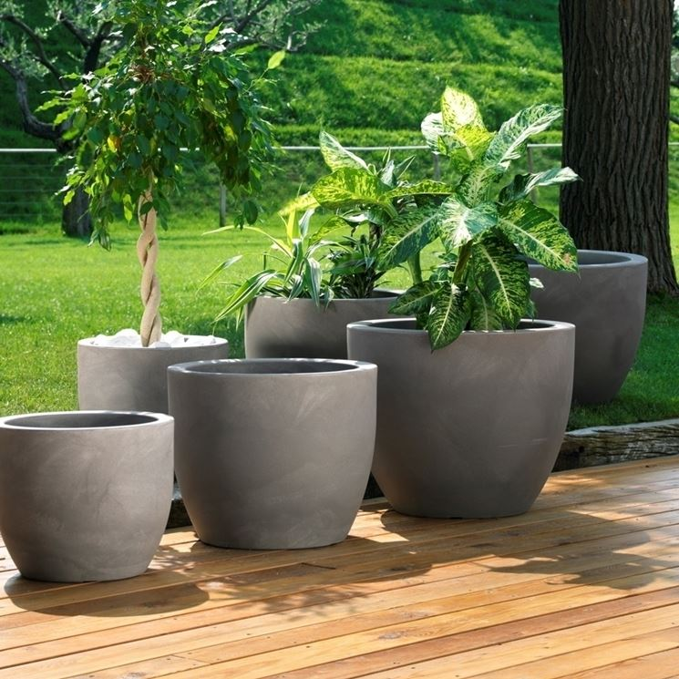 Fioriere in resina vasi e fioriere resina per - Vasi in giardino ...