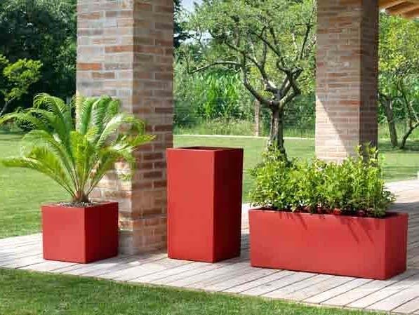 Fioriere per esterni vasi e fioriere fioriere esterne for Vasche in plastica da giardino