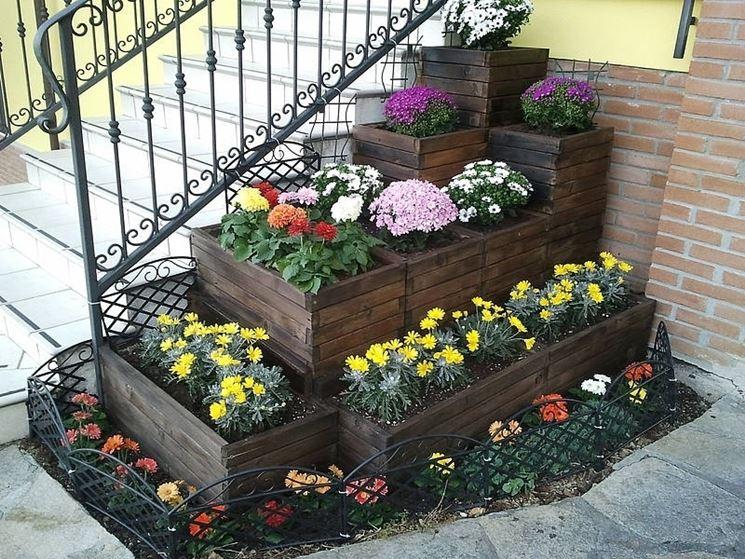 Fioriere per esterno vasi e fioriere fioriere per for Fiori da esterno