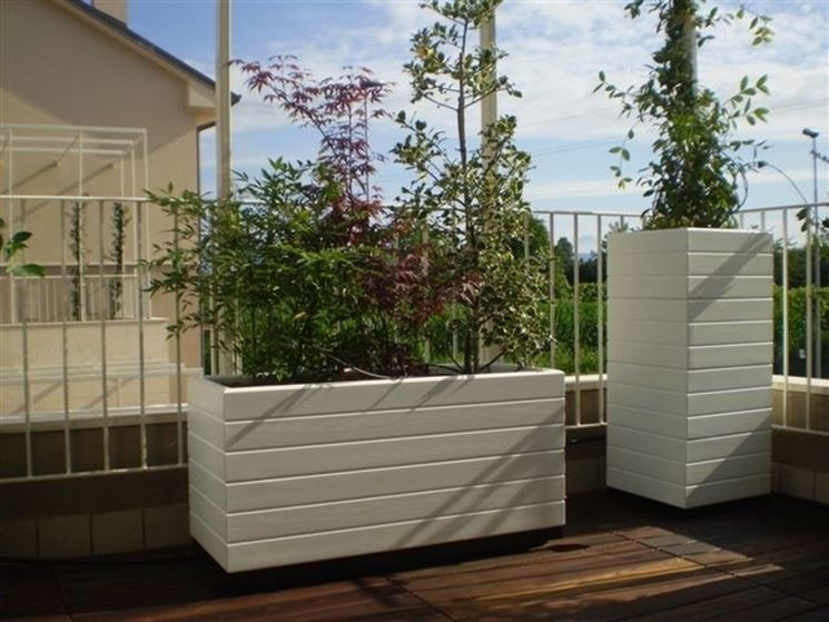 Fioriere terrazzo vasi e fioriere arredare il terrazzo for Arredamenti esterni per terrazzi