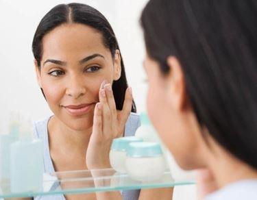 La crema idratante deve essere scelta in base al tipo di pelle