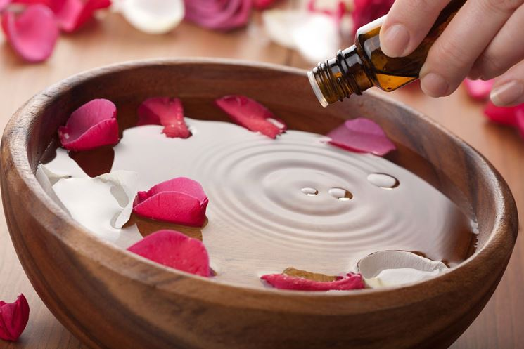 Aromaterapia con olio essenziale di timo