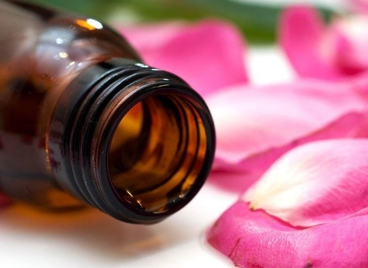 Olio essenziale geranio per la pelle