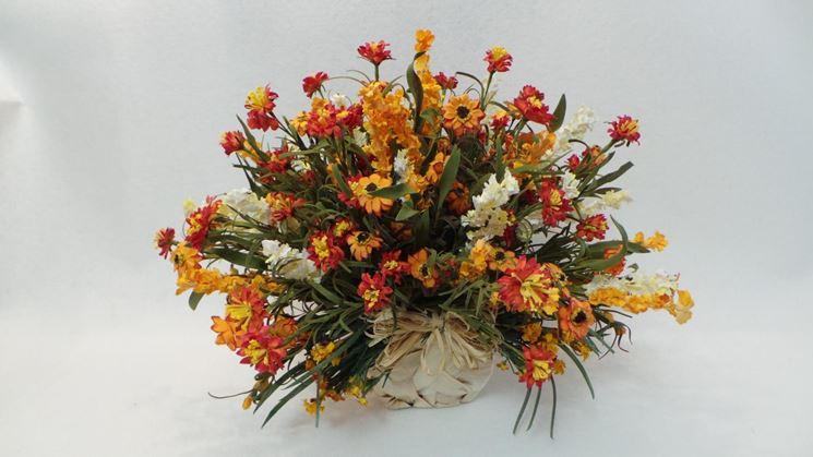 Composizione di fiori artificiali