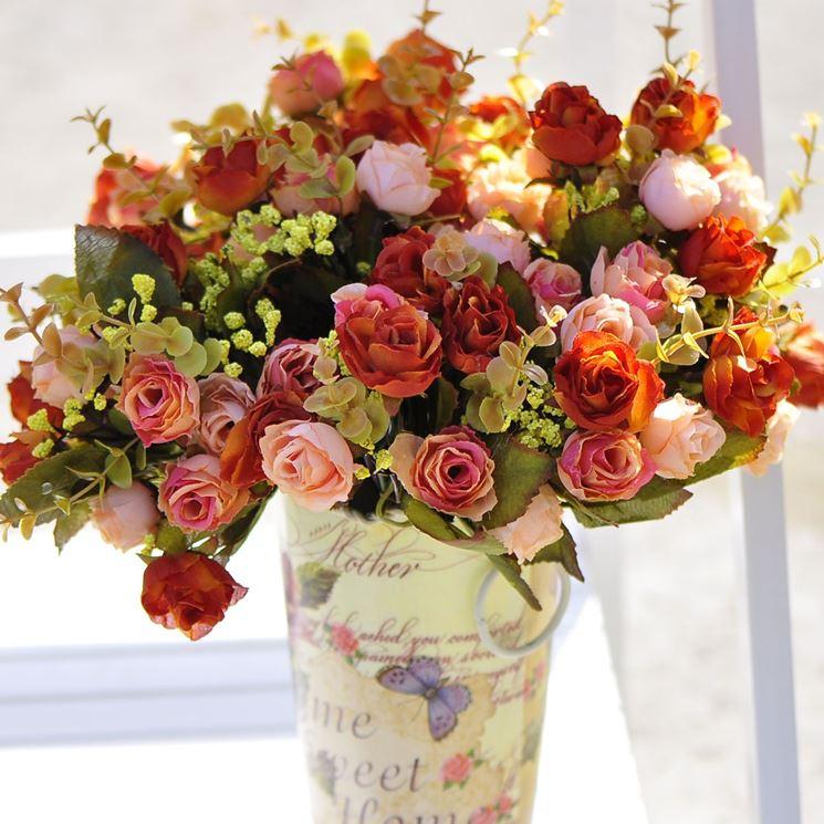 Composizione fiori finti composizioni di fiori - Centrotavola natalizi con fiori finti ...