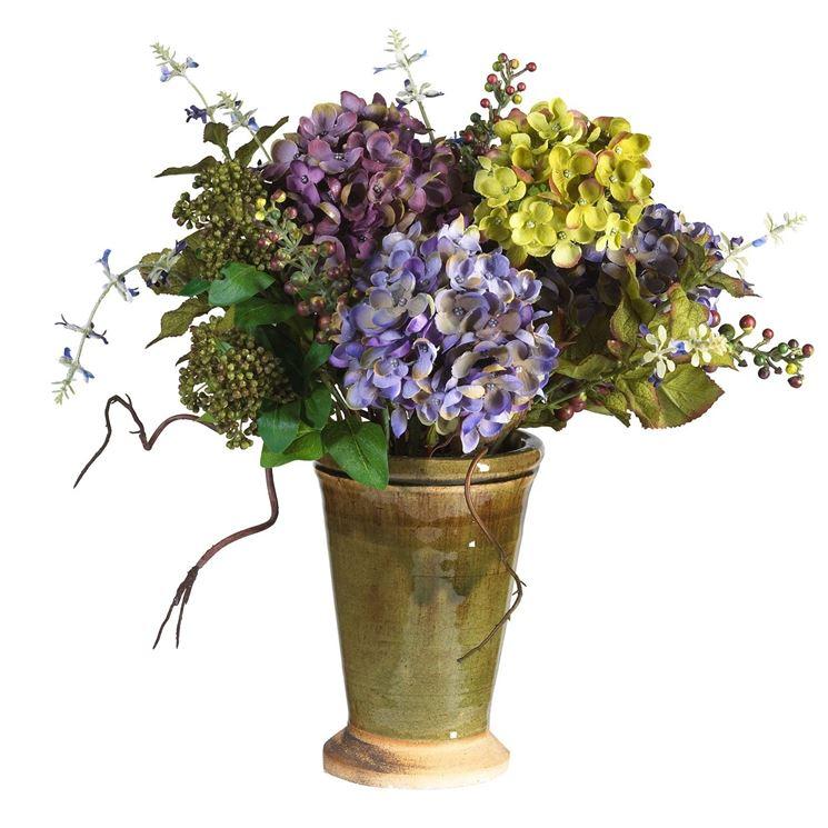 Composizione di fiori artificiali con ortensia