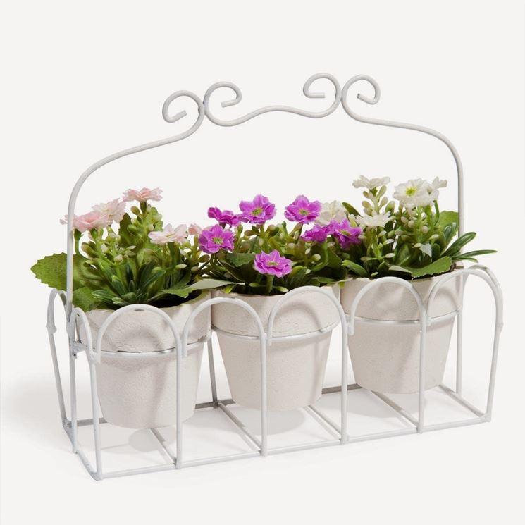 Composizione di fiori artificiali per il bagno