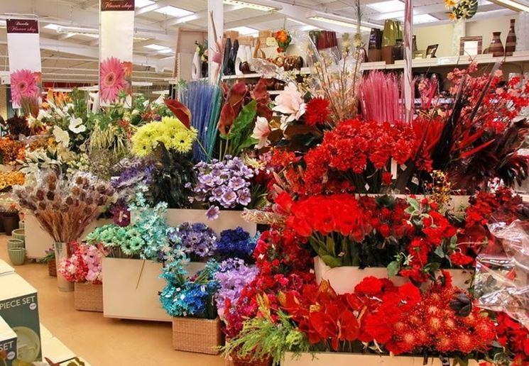 Vasta scelta di fiori finti per composizioni