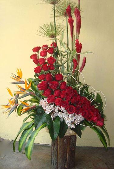 Decorando con fiori finti