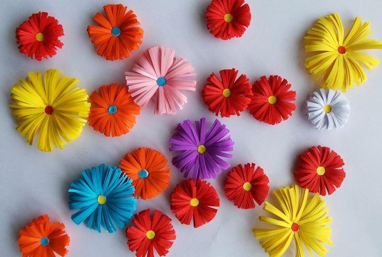 Fiori di carta colorata