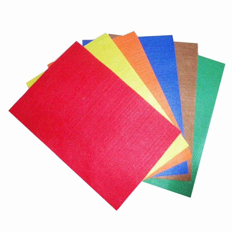 Preparazione del cartoncino colorato