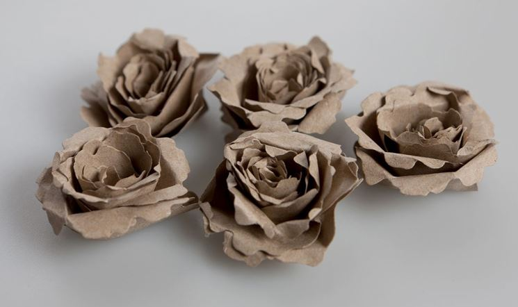 Fiori di carta riciclata