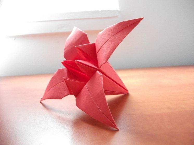 Il nostro primo fiore di carta