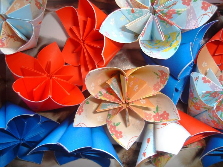 Origami fiori fiori di carta come realizzare fiori di for Fiori semplici