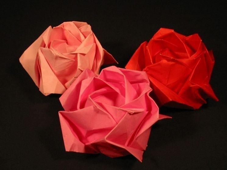 Rose realizzate con tecnica origami