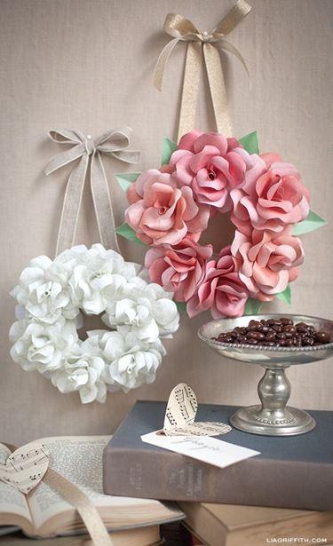 Ghirlanda di fiori di carta