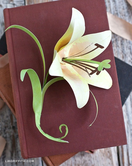 How To Make A Paper Easter Lily