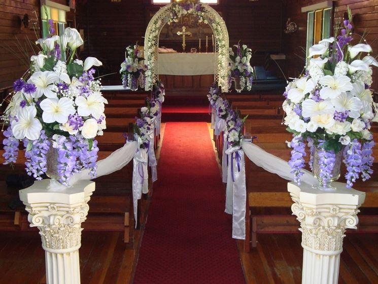 Addobbi floreali chiesa matrimonio fiori per cerimonie - Decorazioni sospese ...