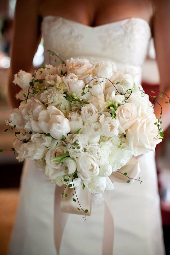 Bouquet Sposa Margherite E Rose.Allestimenti Floreali Matrimonio Fiorista Allestimenti Matrimonio