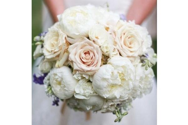 Bouquet Sposa Fiori.Bouquet Fiori Fiorista Come Realizzare Bouquet Di Fiori