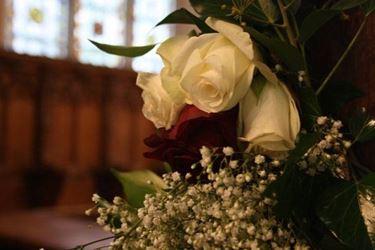 La rosa bianca è un classico degli addobbi floreali