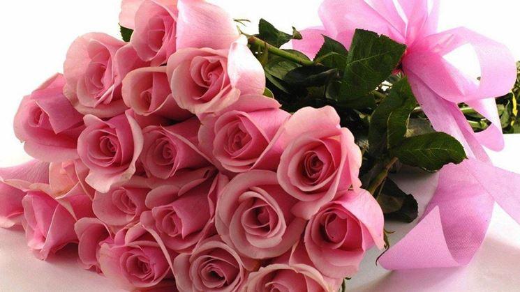 Mazzo Di Fiori Video.Mazzo Di Rose Regalare Fiori Regalare Un Mazzo Di Rose