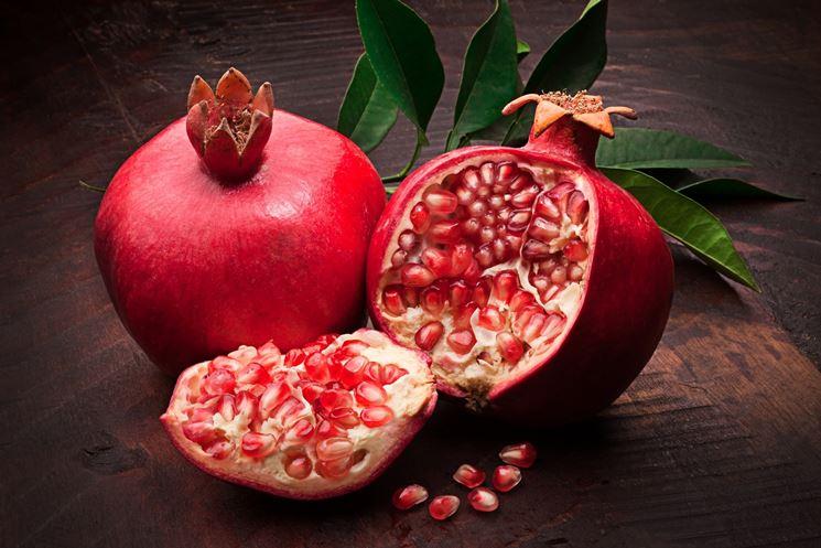 melograno frutti