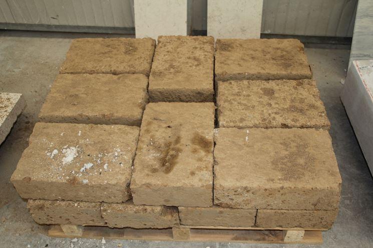 Mattoni di tufo giardinaggio caratteristiche dei mattoni in tufo - Mattoni per esterno ...