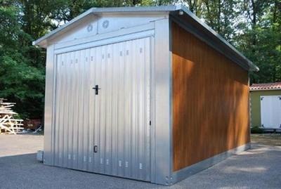 Box auto prefabbricati progettazione giardini for Box lamiera prezzi