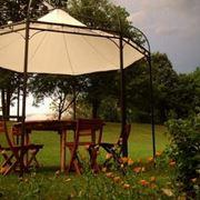gazebo come complemento di giardino inglese