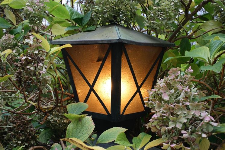 Lanterne Da Giardino Fai Da Te : Luci da esterno fai da te idee illuminazione giardino fai da te