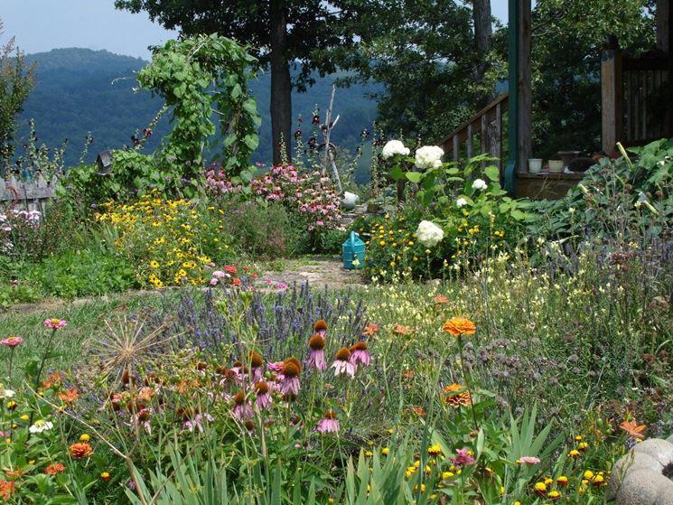 I giardini di montagna hanno una stagione breve ma sono un'esplosione di colori.
