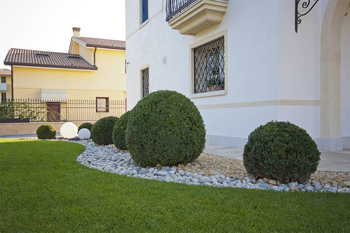 Giardini privati progettazione giardini come curare i - Progetti piccoli giardini privati ...