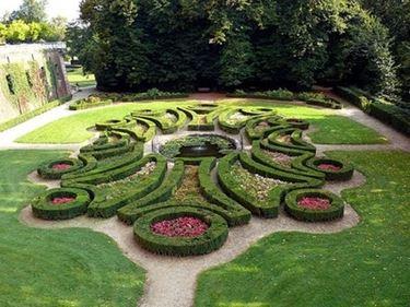 giardino italiano decorato